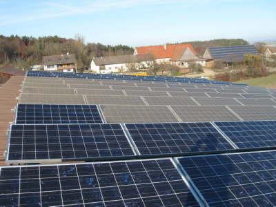 Photovoltaikreinigung mit Reinigungssystemen von Solarreinigung Franken